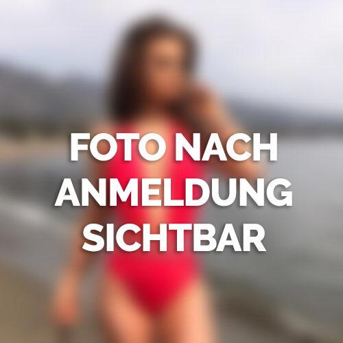 Zierliche Schönheit aus Halle sucht neue Sexpartner