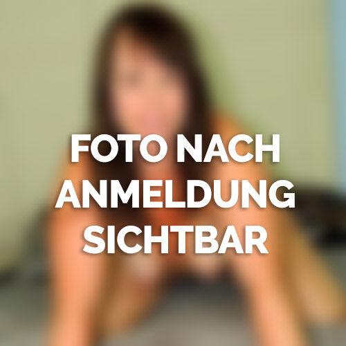 Nadine aus Karlsruhe braucht ständig Sex